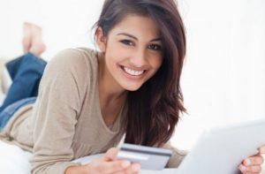 На официальном сайте можно пополнить счет с помощью банковской карты