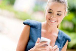 Связаться с службой поддержки можно как с мобильного, так и с домашнего телефона.
