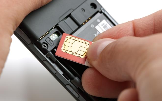 Установка сим-карты в телефон