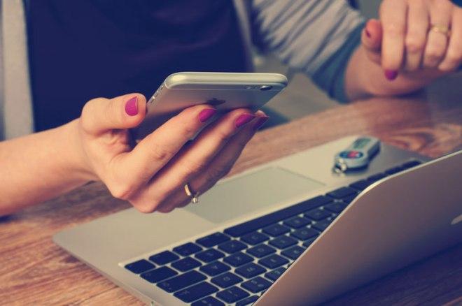 Как перевести деньги с Мегафона на Теле2 посредством SMS